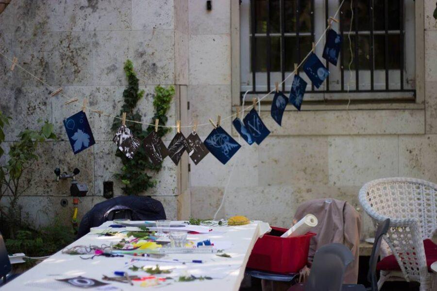 Workshop i gammeldags fototeknikker med fotograferne Ida Arentoft og Diana Lindbjerg.  Foto: Nikoline Petersen / Departdeux
