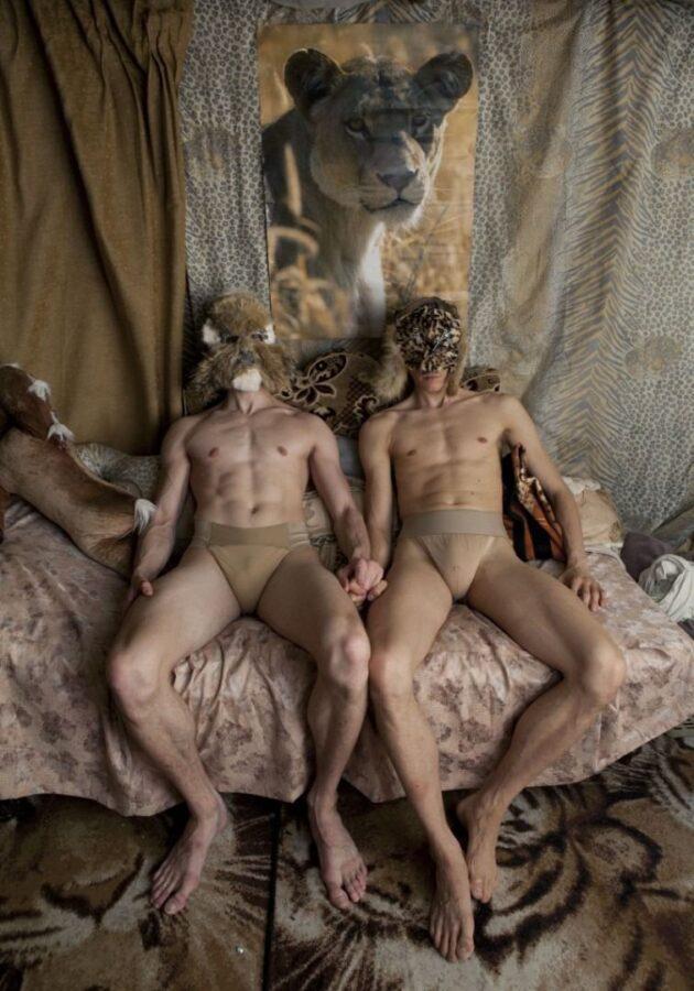 Balletdansernes perfekte kroppe hjælper ikke, når de tvinges til at danse til de segner.