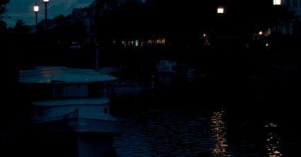 Mellem månen og Christianshavns Kanal