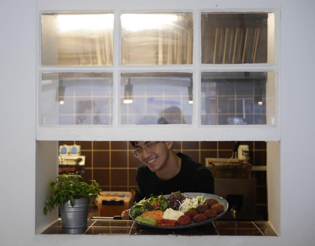 tyrkisk lammekebab med salat