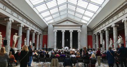 Aristofanes på Glyptoteket: Satiren skal være spydig, personlig og ond