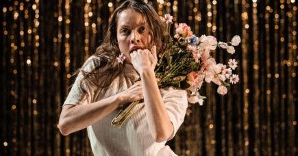 Gakkede gangarter fra Dansk Danseteater på Takkelloftet